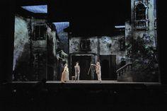 Increíble Fondo Escénico para Teatro conformado por paneles !!