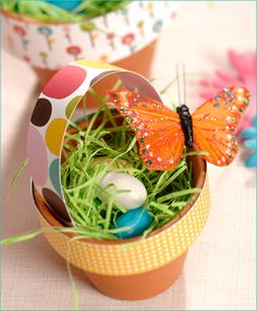 Use terra cotta pots and interesting craft paper to achieve unique Easter baskets that are useful long after the holiday has passed. Find creative Easter ideas, recipes, tips and more at http://www.paaseastereggs.com/