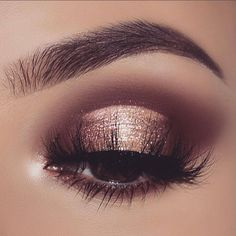 mauve brown eyeshadow golden eyeshadow If your outfit is light purple try light pink eyeshadow makeup for a day wedding; if your outfit is orange try matte nude eyeshadow makeup Pretty Eye Makeup, Gold Eye Makeup, Smokey Eye Makeup, Cute Makeup, Gorgeous Makeup, Eyeshadow Makeup, Hair Makeup, Eyeshadow Palette, Pink Eyeshadow