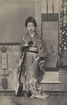 cr 1860's Shimooka Renjou 下岡蓮杖 (1823~1914),  Portrait of a Shamisen player  via dassai2.p2.weblife.me