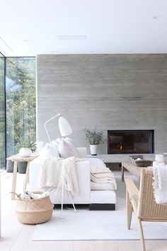 Whistler House by SBD & Burgers Architecture.Like look for front family room,not the fireplace so much. Decoration Bedroom, Decoration Design, Living Room Designs, Living Room Decor, Living Spaces, Plywood Furniture, Design Furniture, Furniture Removal, House Furniture