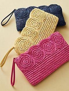 -----Bossa de mà amb ràfia-----Crochet Paper Straw Clutch__Discover your new look at Talbots. Shop our Crochet Paper Straw Clutch for stylish clothing and accessories with a modern twist at Talbots Weitere Informationen erhalten Sie in der Post. Crochet Clutch Bags, Crochet Pouch, Crochet Handbags, Crochet Purses, Crochet Gifts, Love Crochet, Diy Crochet, Crochet Baby, Crochet Ideas