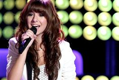 Chrisitina Grimmie may be young, but she has the chops of a professional singer which she proves during her blind audience on The Voice. She chose to cover Miley Cyrus' 'Wrecking Ball' and nails it getting all 4 judges to turn and starting a war to get her on their team! #teamgrimmie #4chairs #thevoice #thevoiceseason6