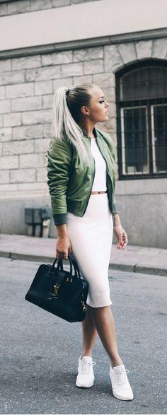 ☽ ριntєrєѕt: @KhaleesiFashion ❥  Bomber jacket styling