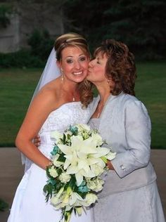 Fun mother of the bride shot  Photo by PhotographyDunrite