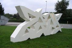 Graffiti sculpture by MMDrake