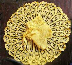 3-3 traje amarillo