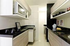 1- Branca com bancada de refeição e lousa!     Com os apartamentos e casas cada vez mais compactos devido as famílias cada vez menores...