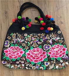 Alifashion777 is the best site to hot-selling professional supply the travelling Embroidered bag Ethnic Embroidery Handbags with the discount and gift. More questions: skype: alifashion777; email: alifashion777@hotmail.com; whatsapp: 0086-186-8780-0583.