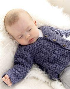 Erkek çocuk düğmeli örgü ceket