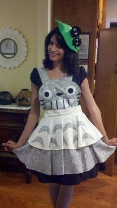 Can someone PLEASE make me an apron like this!?!?!