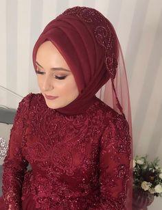 tesettür First Narration; Bridal Hijab, Hijab Wedding Dresses, Muslim Fashion, Hijab Fashion, Fashion Dresses, Turkish Fashion, Turkish Style, Piercings, Baggy Clothes