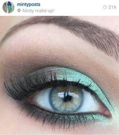 Teal blue or mint green smokey eye make up