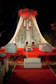 Weddings Discover The Bridal Box - All Your Wedding Needs @ One Place Indian Wedding Theme, Desi Wedding Decor, Wedding Hall Decorations, Wedding Stage Design, Luxury Wedding Decor, Wedding Reception Backdrop, Marriage Decoration, Engagement Decorations, Wedding Mandap