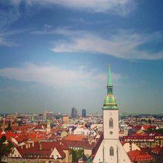 The view overlooking at the castle. Bratislava, Paris Skyline, Castle, Adventure, Building, Travel, Viajes, Buildings, Castles