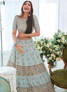 Wedding Indian Lengha Mint Green 40 Ideas For 2019 Lehenga Choli Designs, Ghagra Choli, Bridal Lehenga Choli, Lehenga Wedding, Wedding Hijab, Wedding Dresses, Indian Lehenga, Indian Gowns, Indian Attire