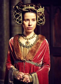 Court dress possibly of the Duchess of York | Sally Hawkins in 'The Hollow Crown: Henry VI' (2016).