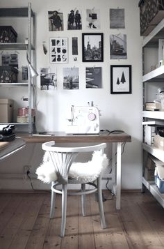 PRACOVNA | Jane at home Home Office, Office Desk, Study Areas, Sewing Rooms, Decoration, Diy Home Decor, Sweet Home, Gallery Walls, Flooring