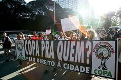Avenida Paulista é palco de protesto contra a Copa-2014