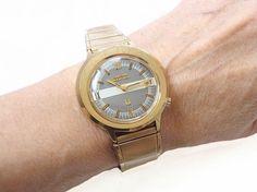 1973 Bulova Accutron Calendar Watch by ArtDecoAntiques on Etsy