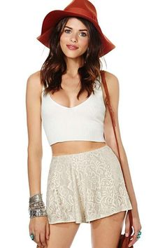 LUCLUC White Loose Lace Shorts