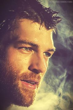 onlymywishfulthinking:  Liam McIntyre - for TJ Scott's In the Tub Photos, profiting breast cancer research (x)