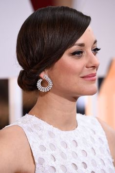 The Best Jewelry at the Oscars 2015 - Marion Cotillard in Chopard earrings