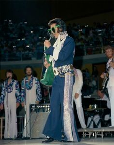 Elvis Presley Rare Images, photos, pictures never seen before 1970 elvis and his daughterGraceland Elvis Presley Facts, Young Priscilla Presley, Elvis Presley Las Vegas, Elvis Presley Concerts, King Elvis Presley, Elvis Presley Family, Elvis In Concert, Elvis And Priscilla, Elvis Presley Photos