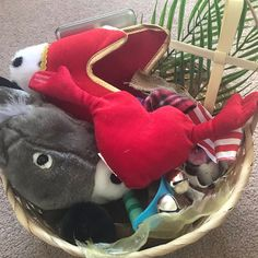 I've put together a discovery basket for younger children when we do our Easter family activities morning. This basket looks at the story of. David And Goliath Story, Palm Cross, Jesus Calms The Storm, Felt Glue, Treasure Basket, Prayer Stations, Apostles Creed, The Nativity Story, Fuzzy Felt