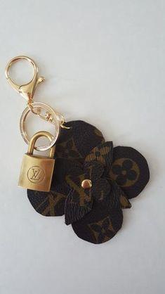 Handmade Clover (Flower) Bag Charm 8e5c975ac344
