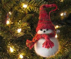 In honor of Christmas, this is an ornament I knit several years ago. It's a free pattern from Knitpicks.