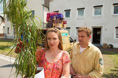 Susi (Lisa Maria Potthoff) lässt sich nicht von Franz (Sebastian Bezzel) überreden doch zu bleiben © 2016 Constantin Film Verleih GmbH / Bernd Schuller