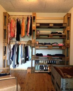 15 Ideas for closet esquinero de madera Closet Bedroom, Bedroom Storage, Room Decor Bedroom, Diy Room Decor, Home Decor, Pallet Wardrobe, Pallet Closet, Wooden Pallet Furniture, Diy Furniture