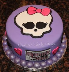 Monster High Cake - by CreativeCakesbySonya @ CakesDecor.com - cake decorating website