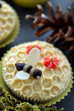 Pszczółki z marcepanu