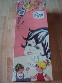 "DDR-Spielzeug,Puppe,neu,OVP,Etikett,""VEB Puppenfabrik Biggi Waltershausen""   eBay Old School, Dolls, Cover, Ebay, Art, Baby Dolls, Art Background, Doll, Kunst"