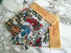Tovagliette americane per colazione di cotone fantasia Frida Kahlo, idea regalo amante Frida Kahlo, tovaglie per colazione Viva la Vida Gift Wrapping, Floral, Gifts, Frases, Fantasy, Mistress, Frida Kahlo, Viva La Vida, Atelier