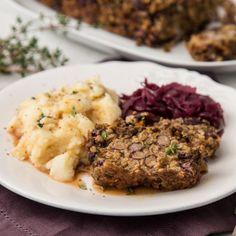 Veganer Linsenbraten mit Kartoffelpüree und Rotkohl