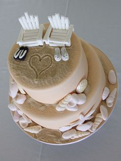 beach themed wedding cake - cute :)