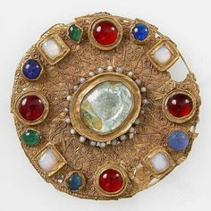 Rosamaria G Frangini | High Ancient Jewellery  | 7th c Frankish gold disc brooch