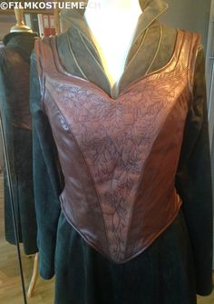 filmkostueme.ch: Tauriel corset is finised :)