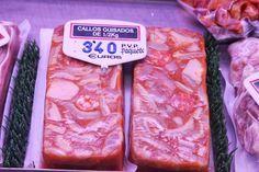 Callos guisados (bricks of stewed tripe), Mercado de Santa Maria de la Cabeza, Madrid Distrito de Arganzuela (near Atocha station), July 20, 2013. Photo by Gerry Dawes©2013 / gerrydawes@aol.com. Canon 5D Mark III / Canon 24 105mm f/4L IS USM.