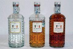 Mezcal Los Danzantes   Joven, Reposado y Añejo.  Elaborado de Agave Espadin, Botellas Numeradas