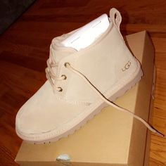 Shop Women's UGG Cream size 8 Shoes at a discounted price at Poshmark. Description: size 8 women's. only worn twice comes with box and everything. Ugg Boots Outfit, Ugg Style Boots, Ugg Shoes, Shoe Boots, Ugg Boots With Bows, Ugg Boots Cheap, Shearling Boots, Leather Boots, Hype Shoes