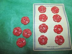 """(12) 3/4"""" DECORATIVE RED PLASTIC 2-HOLE CRAFT EMBELLISHMENT BUTTONS (N590)"""