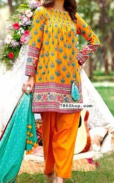 Most top dress of weekend Pakistani Fashion Casual, Pakistani Dresses Casual, Pakistani Dress Design, Indian Fashion, Casual Dresses, Baggy Dresses, Linen Dresses, Bollywood Fashion, Simple Dresses