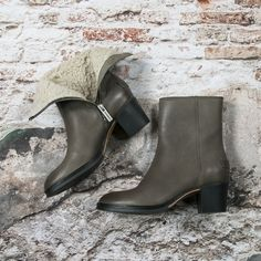 Warm ankleboots by Shabbies  --> https://www.omoda.nl/dames/laarzen/korte-laarzen/shabbies/taupe-shabbies-korte-laarzen-221216w68586.html/?utm_source=pinterest&utm_medium=referral&utm_campaign=shabbieslammytaupepinterest6-9-16&s2m_channel=903