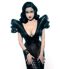 First fully articulated 3D-printed dress designed specifically for Dita Von Teese by designer michael schmidt & architect francis bitonti. The piece represents the possibility to generate complex,   customized fabric-like garments designed to meet the needs of a particular person.