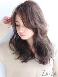 前髪長めの大人ロング Thin Hair Haircuts, Permed Hairstyles, Hairstyles With Bangs, Medium Asian Hair, Medium Hair Styles, Short Hair Styles, Long Hair With Bangs, Long Hair Cuts, Asian Hairstyles Women