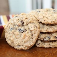 This old-fashioned favorite is the perfect merger of oats, raisins and a hint of spice....